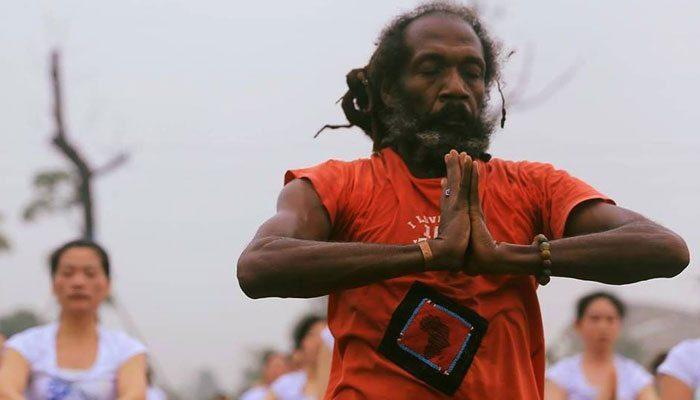 Ian 'Sasi' Mair, Jamaican Rastafari Yogi Wows China