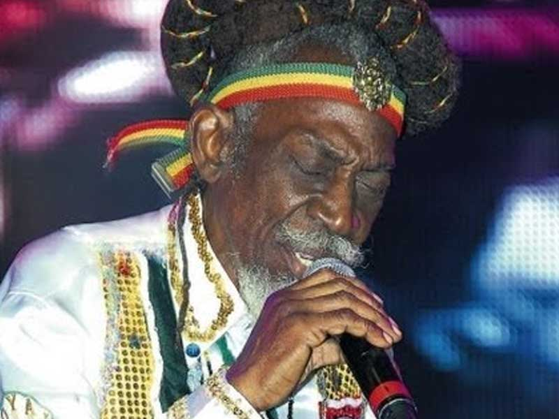 a presentation of the legendary wailers By the end of the 1960's, with the legendary reggae producer lee scratch perry at the mixing desk, the wailers were again back at the top in jamaica.